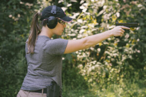 shooting strong hand only of the idpa 5x5 classifier